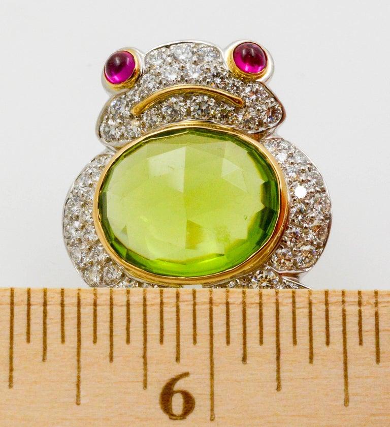 Albert Lipten 4.30 Carat Peridot  2.50 Carat Diamond Platinum Frog Brooch For Sale 1