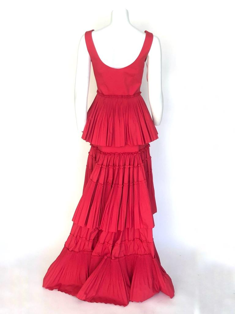 Alberta Ferretti tiered skirt red gown In New Condition For Sale In New York, NY