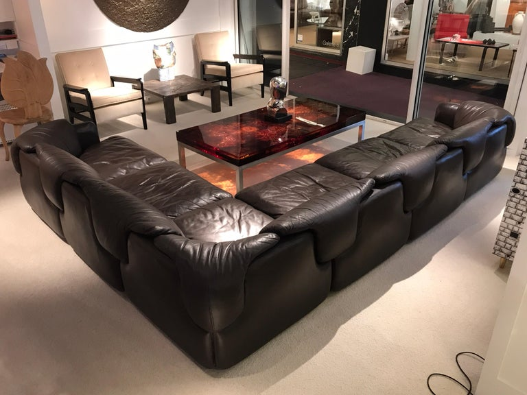 1970s modular sofa By Alberto Roselli for Saporiti Brown chocolate vintage leather with great patina Composed by 6 pieces Great condition Dimension are 340 cm x 245 cm.