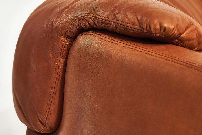 """Alberto Rosselli for Saporiti Brown Leather """"Confidential"""" Sofa, 1970's For Sale 5"""