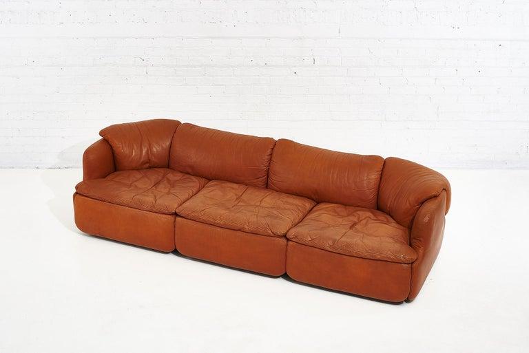 """Italian Alberto Rosselli for Saporiti Brown Leather """"Confidential"""" Sofa, 1970's For Sale"""