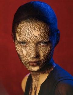 Kate Moss Veil (color) – Albert Watson, Woman, Portrait, Erotic, Celebrity, Art
