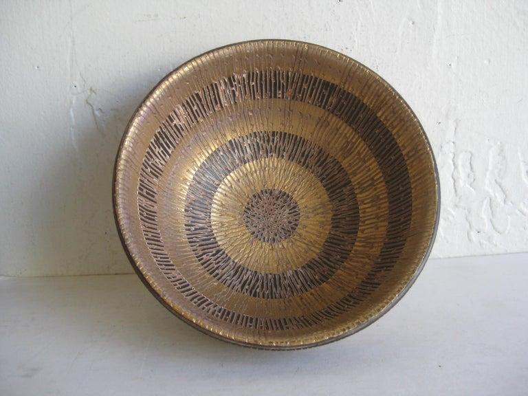 20th Century Aldo Bitossi Italian Pottery Ceramic Gold Seta Sgraffito Bowl Signed Italy 1960s For Sale
