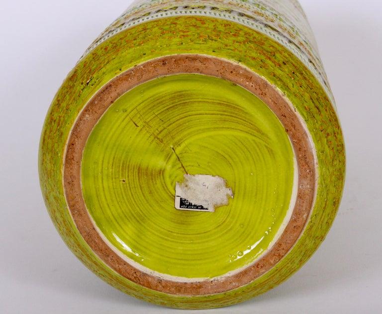 Aldo Londi Bitossi for Rosenthal Netter Incised Spring Green Ceramic Vase In Good Condition For Sale In Bainbridge, NY