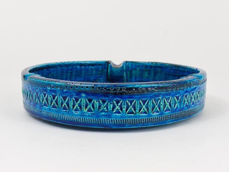 Aldo Londi Bitossi Very Large Round Rimini Blue Glazed Midcentury Ashtray, 1950s For Sale 3