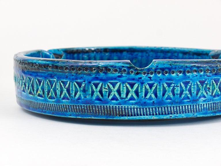 Aldo Londi Bitossi Very Large Round Rimini Blue Glazed Midcentury Ashtray, 1950s For Sale 4