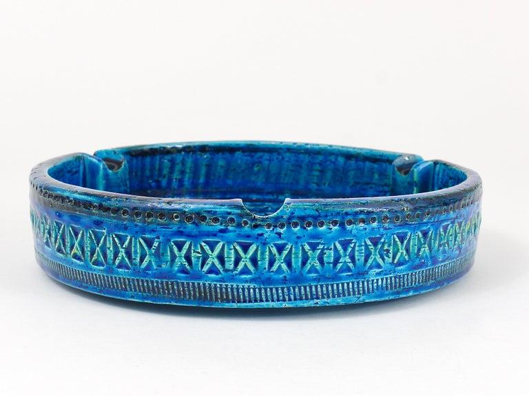 20th Century Aldo Londi Bitossi Very Large Round Rimini Blue Glazed Midcentury Ashtray, 1950s For Sale