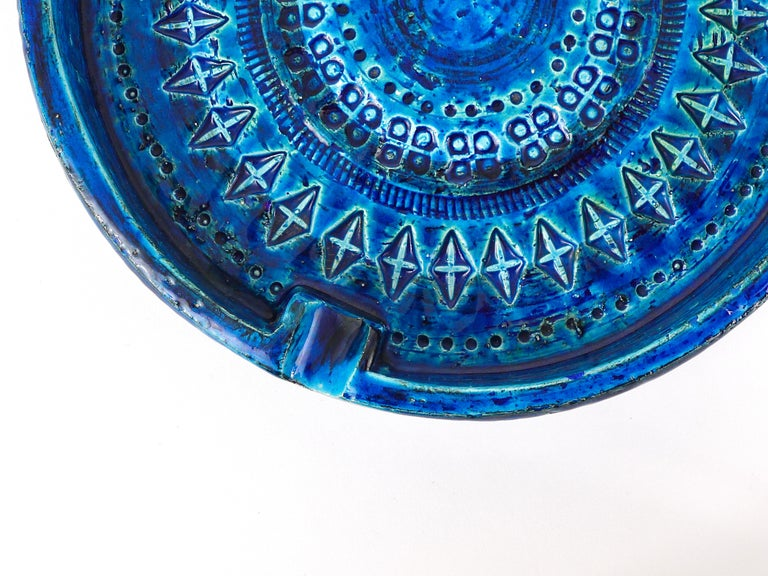 Ceramic Aldo Londi Bitossi Very Large Round Rimini Blue Glazed Midcentury Ashtray, 1950s For Sale