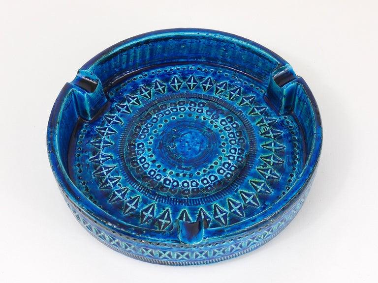 Aldo Londi Bitossi Very Large Round Rimini Blue Glazed Midcentury Ashtray, 1950s For Sale 2