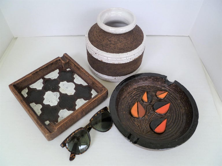 Aldo Londi for Bitossi Italian Organic Modern Pottery Cork Vase for Raymor 1960s For Sale 2