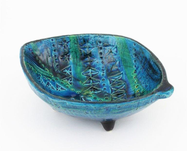 Italian Aldo Londi for Bitossi Rimini Blu Leaf Shaped Glazed Ceramic Bowl / Ashtray For Sale