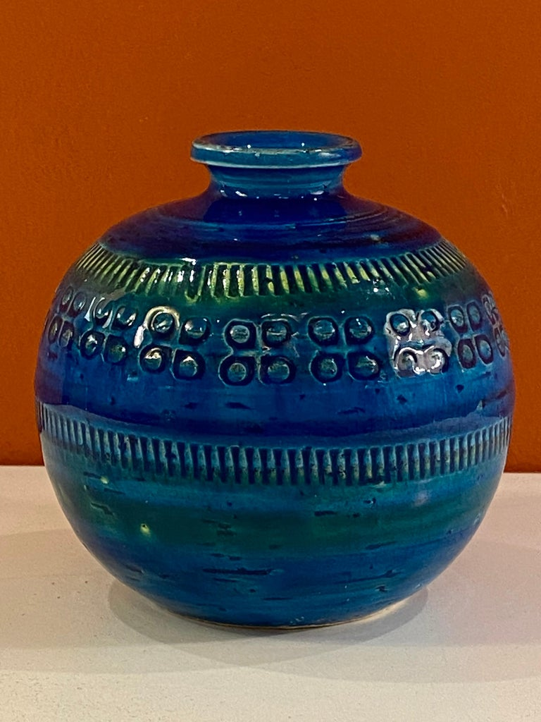 Aldo Londi, Bitossi small round vase in Rimini blue glaze. Hard size to come across! Perfect for that grouping!