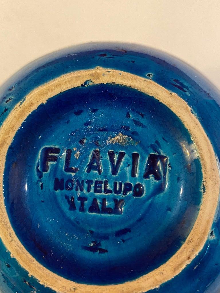 Aldo Londi for Bitossi Round Vase in Rimini Blue In Good Condition For Sale In Philadelphia, PA