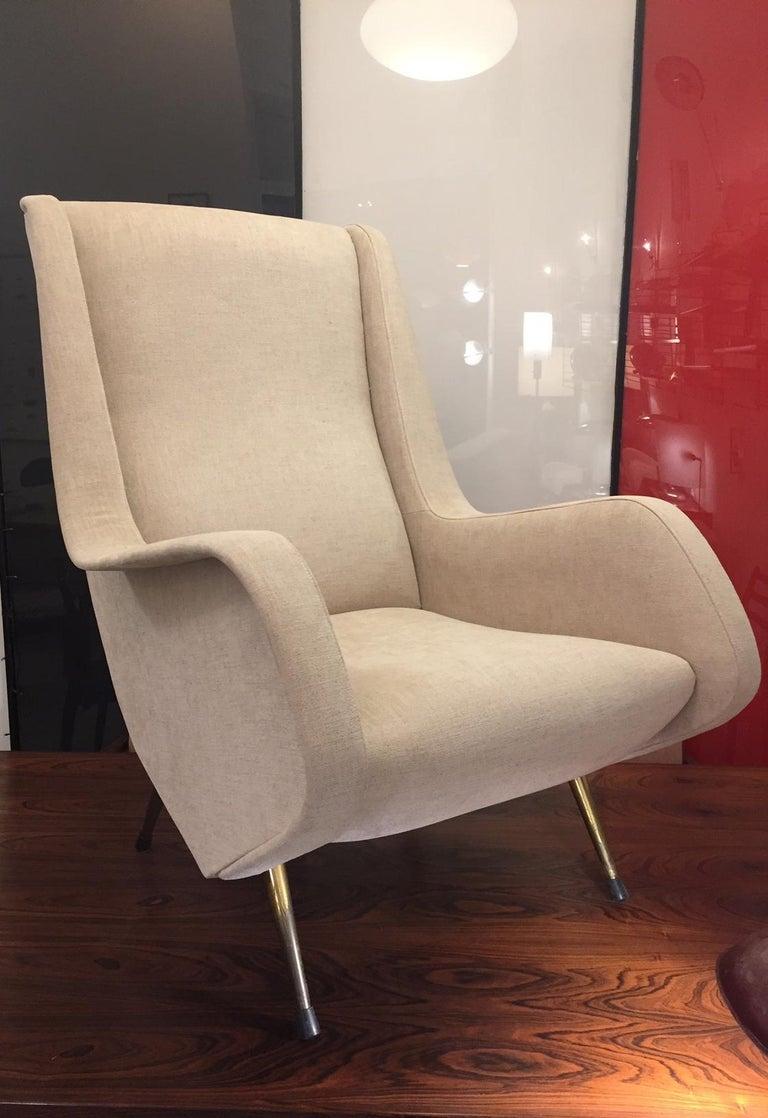 Italian Aldo Morbelli Mid-Century Modern Pair of Light Beige Armchairs For Sale