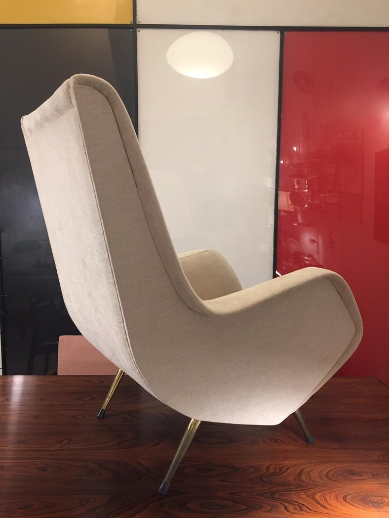 Aldo Morbelli Mid-Century Modern Pair of Light Beige Armchairs In Good Condition For Sale In Madrid, ES