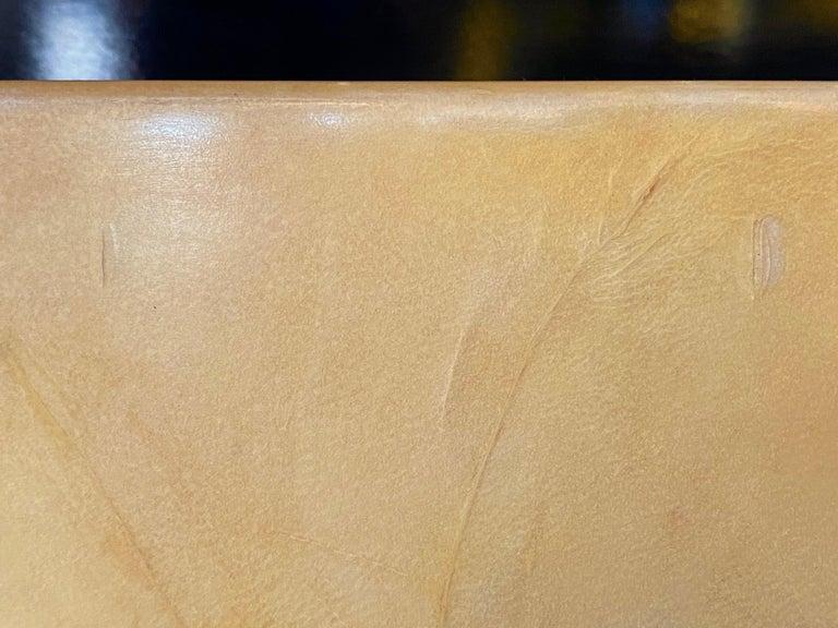 Aldo Tura Egg-Shaped Goatskin Side Table, Late 1960s For Sale 10