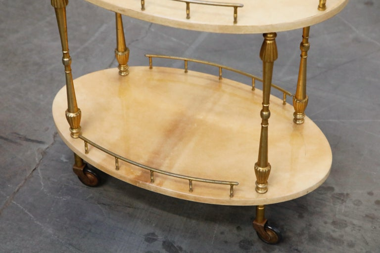 Aldo Tura Lacquered Goatskin and Brass Italian Bar Cart, 1950s Italy, Signed For Sale 7