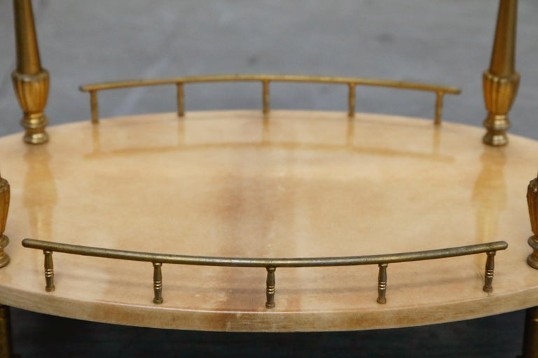 Aldo Tura Lacquered Goatskin and Brass Italian Bar Cart, 1950s Italy, Signed In Good Condition For Sale In Los Angeles, CA