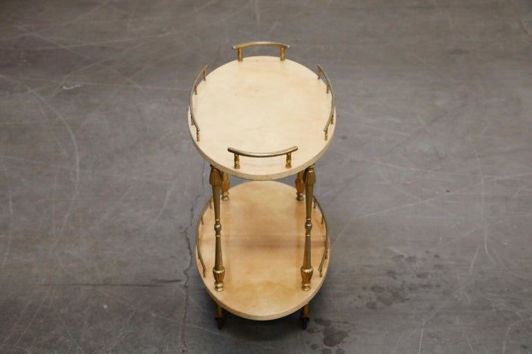 Aldo Tura Lacquered Goatskin and Brass Italian Bar Cart, 1950s Italy, Signed For Sale 4