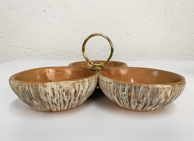 Italian Aldo Tura Macabo Centerpiece in Hand Carved Cerused Wood Brass, Bowl Italy 1950s For Sale
