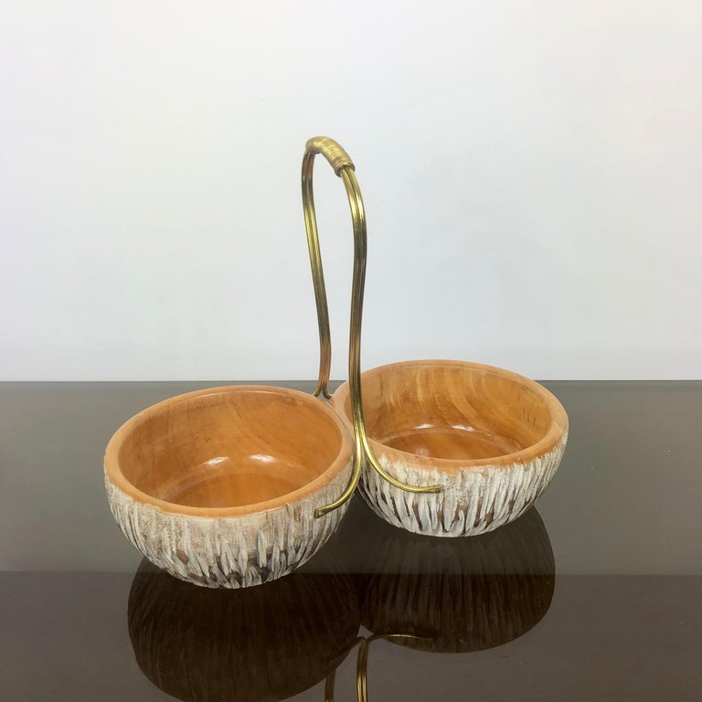 Mid-Century Modern Aldo Tura Macabo Walnut Bowl Basket Centrepiece Hand Carved Wood and Brass Italy For Sale