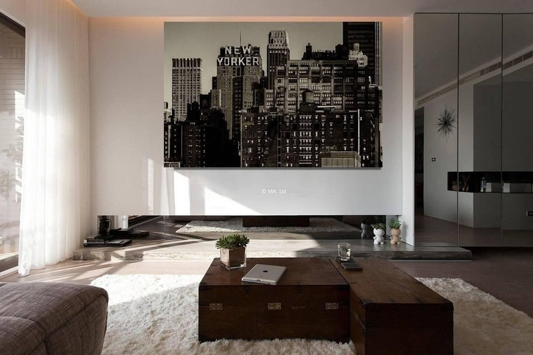 New York City black and white photo - New Yorker 30x45 in. Mounted acrylic glass - Contemporary Photograph by Alejandro Cerutti