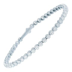 Alessa Tennis Bracelet 18 Karat White Gold Essentials Collection