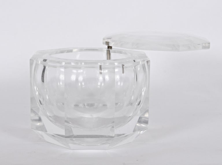 Modern Alessandro Albrizzi Faceted Lucite Ice Bucket, circa 1970 For Sale