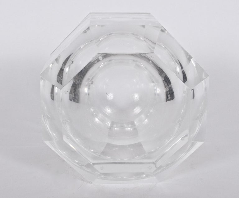 Alessandro Albrizzi Faceted Lucite Ice Bucket, circa 1970 In Good Condition For Sale In Bainbridge, NY