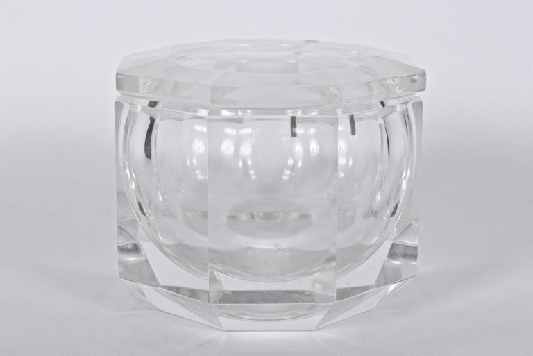 Late 20th Century Alessandro Albrizzi Faceted Lucite Ice Bucket, circa 1970 For Sale