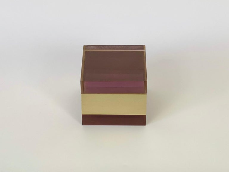 Alessandro Albrizzi Cube Box in Purple Lucite and Gold Metal, Italy, 1970s For Sale 2