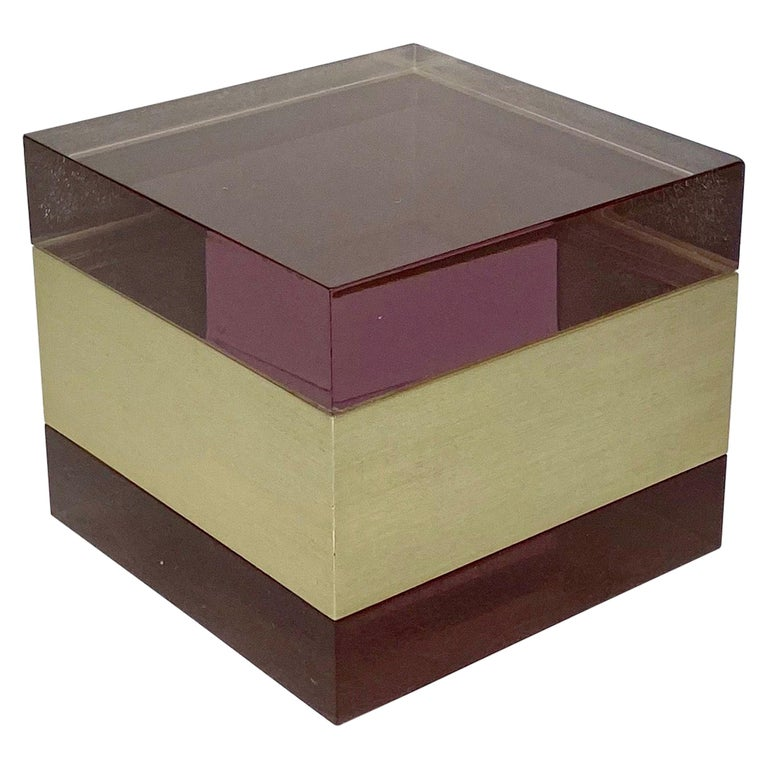Alessandro Albrizzi Cube Box in Purple Lucite and Gold Metal, Italy, 1970s For Sale
