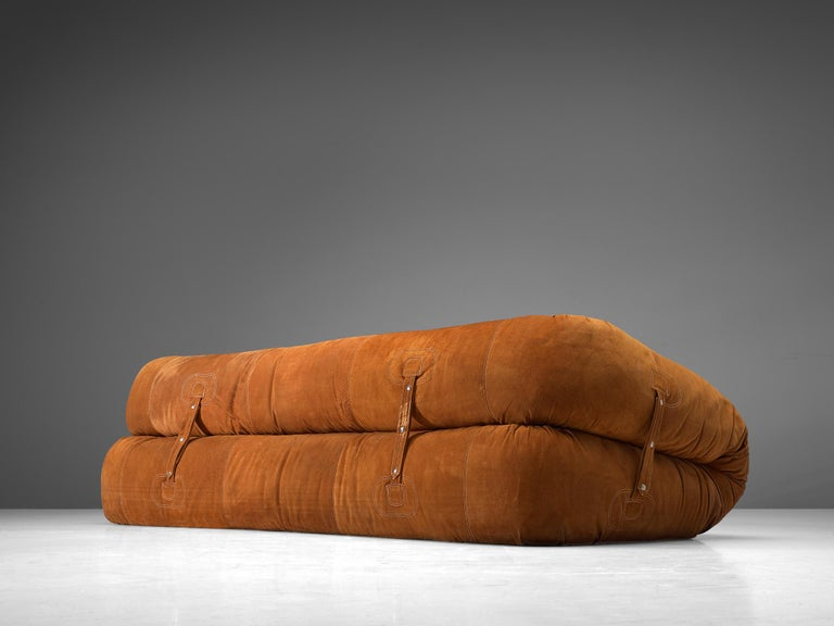 Alessandro Becchi 'Anfibio' Sofa in Cognac Suede In Good Condition For Sale In Waalwijk, NL