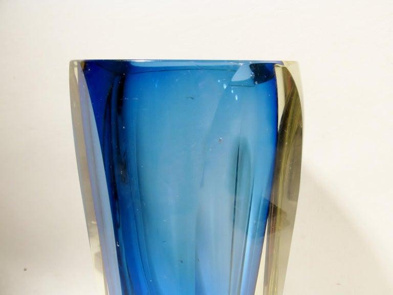 Mid-Century Modern Alessandro Mandruzzato Italian Sommerso Large Faceted Murano Glass Vase For Sale
