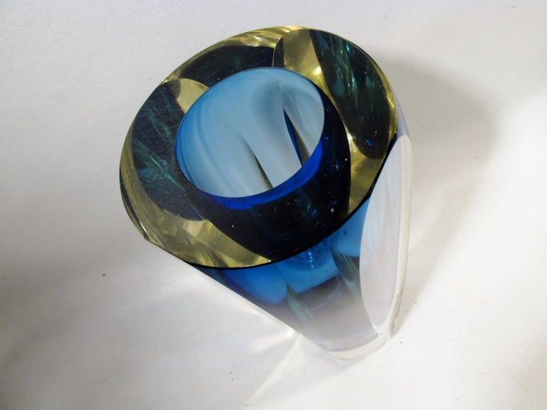Alessandro Mandruzzato Italian Sommerso Large Faceted Murano Glass Vase In Good Condition For Sale In Denver, CO
