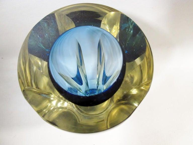 20th Century Alessandro Mandruzzato Italian Sommerso Large Faceted Murano Glass Vase For Sale