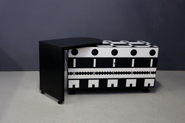 Modern Alessandro Mendini Dresser Collection Ollo Black  White for Alchimia Design 1980 For Sale