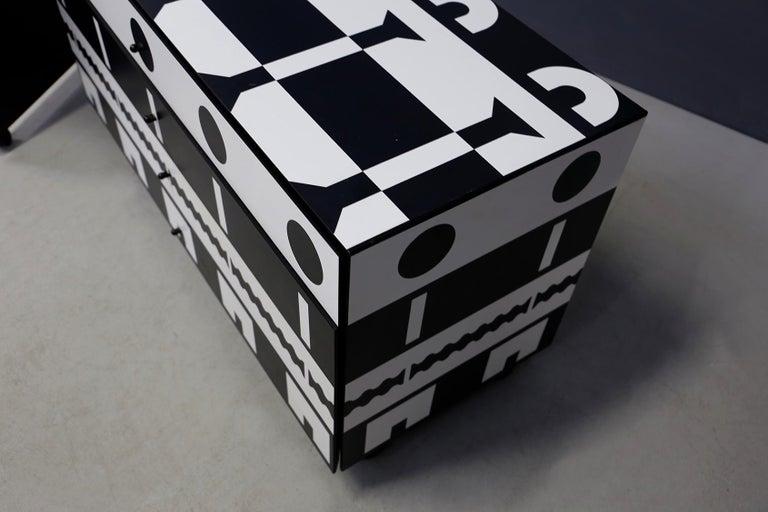 Alessandro Mendini Dresser Collection Ollo Black  White for Alchimia Design 1980 For Sale 2