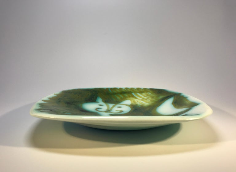 Alessio Tasca of Italy, prowling cat decorative dish. Hand painted rich green and white illustration so typical of Tasca Stamped Tasca on base circa 1960s In very good condition.