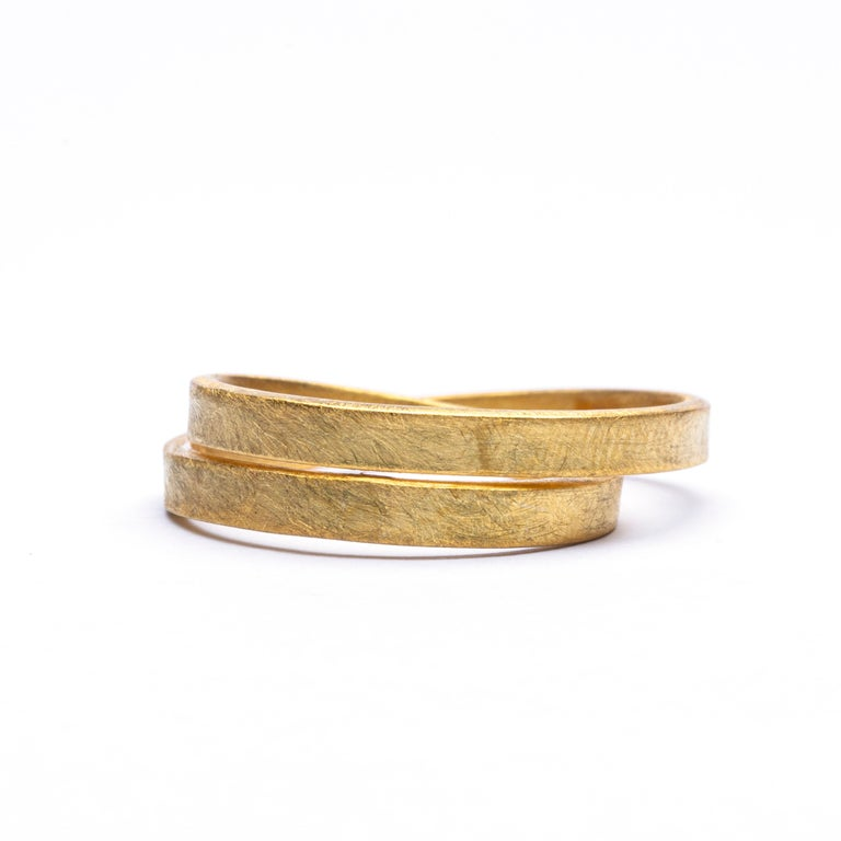Alex Jona 18 Karat Frosted Yellow Gold Double Circle Ring In New Condition For Sale In Torino, IT