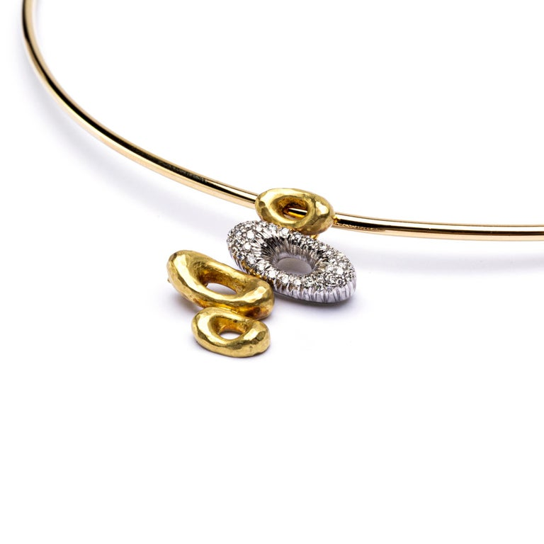 Round Cut Alex Jona 18 Karat Yellow Gold White Diamond Pendant Choker Necklace For Sale
