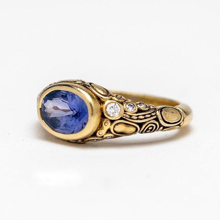 Contemporary Alex Sepkus Blue Violet Sapphire and Diamond 18K Gold Cocktail Ring 2.30 Carat For Sale