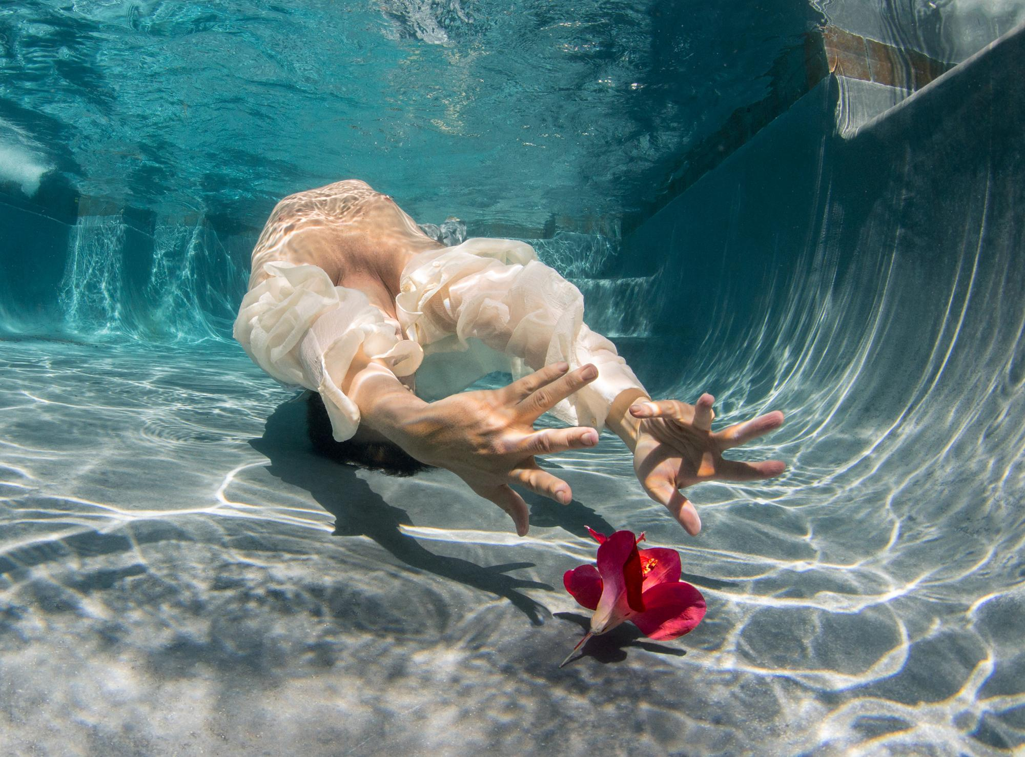 Cold Song II - underwater photograph - print on aluminum