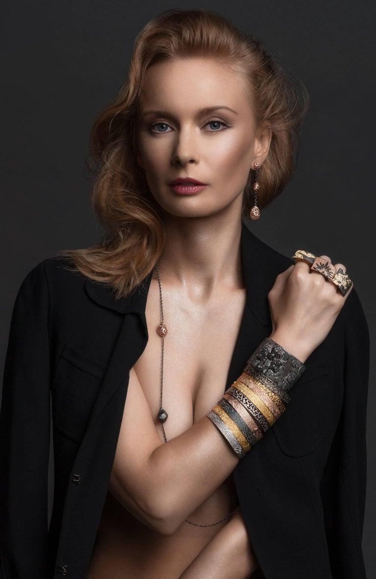 Women's or Men's Alex Soldier 18 Karat Gold Hand-Textured Bangle Bracelet One of a Kind For Sale