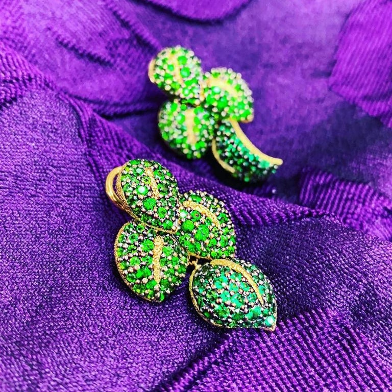 Alex Soldier Chrome Diopside Tsavorite Garnet Gold Earrings One of a Kind For Sale 2