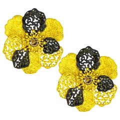 Alex Soldier Diamond 18 Karat Gold Textured Baby Coronaria Earrings