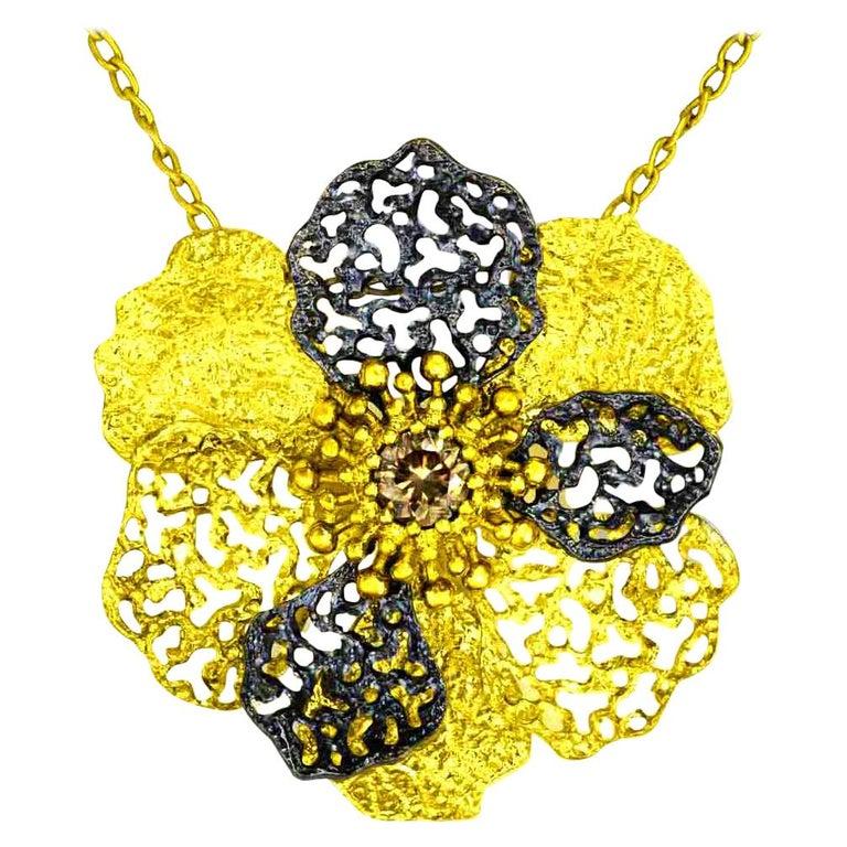 Alex Soldier Diamond 18 Karat Gold Textured Baby Coronaria Pendant Necklace For Sale