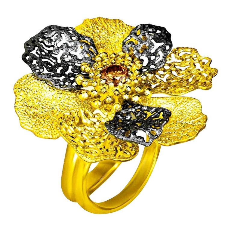 Alex Soldier Diamond 18 Karat Gold Textured Coronaria Ring One of a Kind For Sale