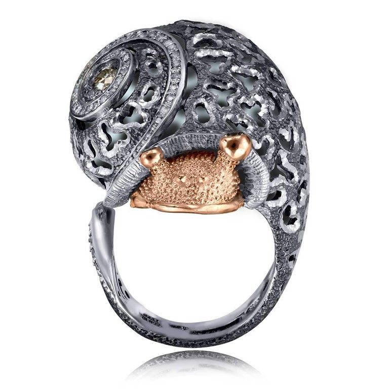 Alex Soldier Diamond Gold Sterling Silver Textured Signature Codi the Snail Ring In New Condition For Sale In New York, NY