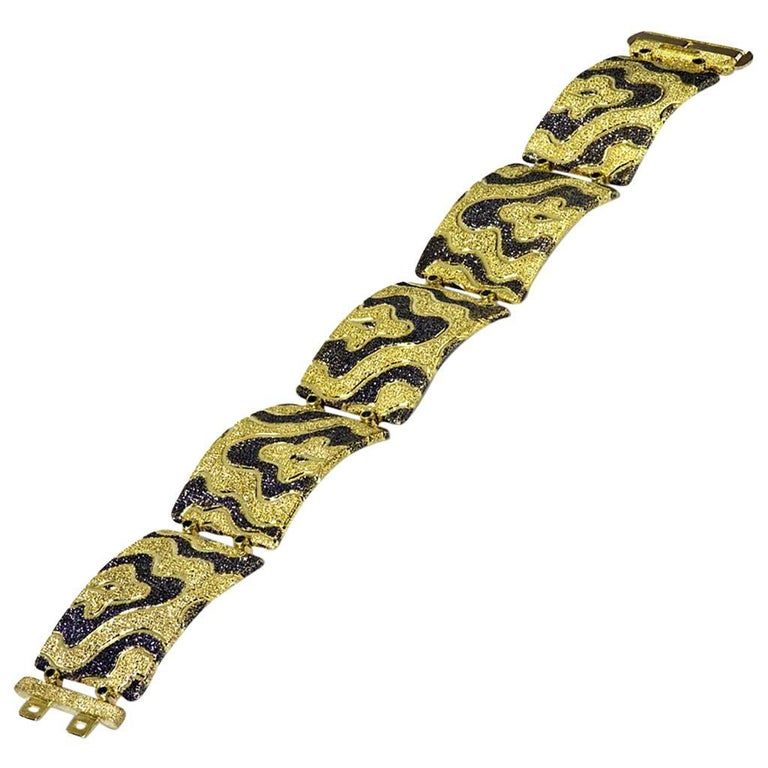 Alex Soldier Gold Cora link bracelet made in 18 karat yellow gold with black rhodium (platinum family), and finished with signature proprietary metalwork that creates an illusion of a diamond inlay. Handmade in NYC. One of a kind. Dimensions: 20 mm